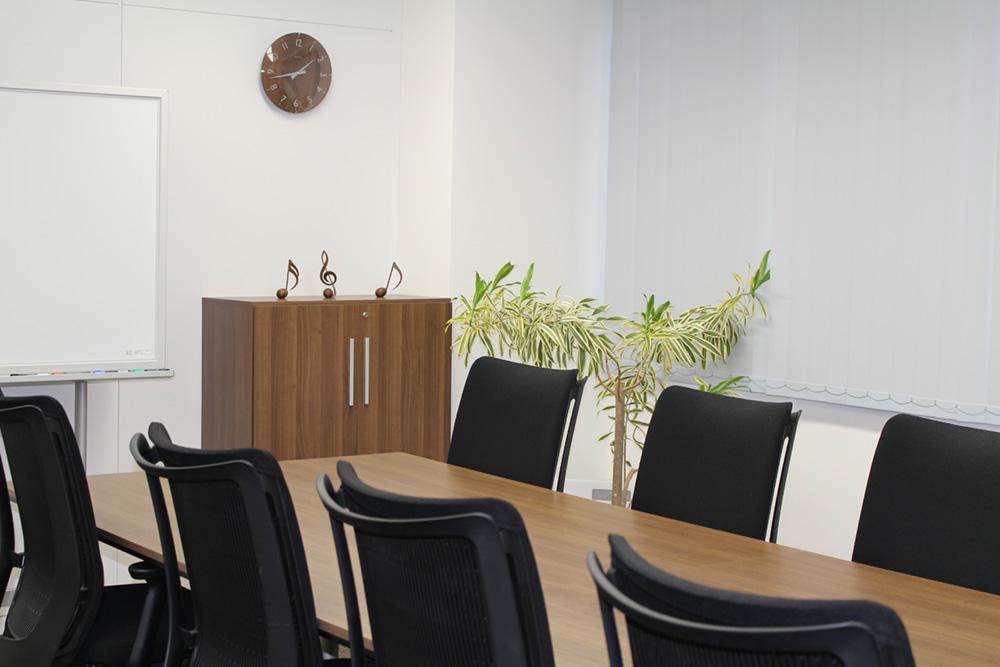 弁護士法人鬼頭・竹内法律事務所:会議室